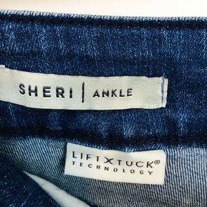 NYDJ Jeans - Nydj Light Wash Embroidered Skinny Jeans